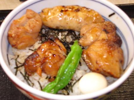 yoshinoya-shin-yakitori-tsukunedon3.jpg